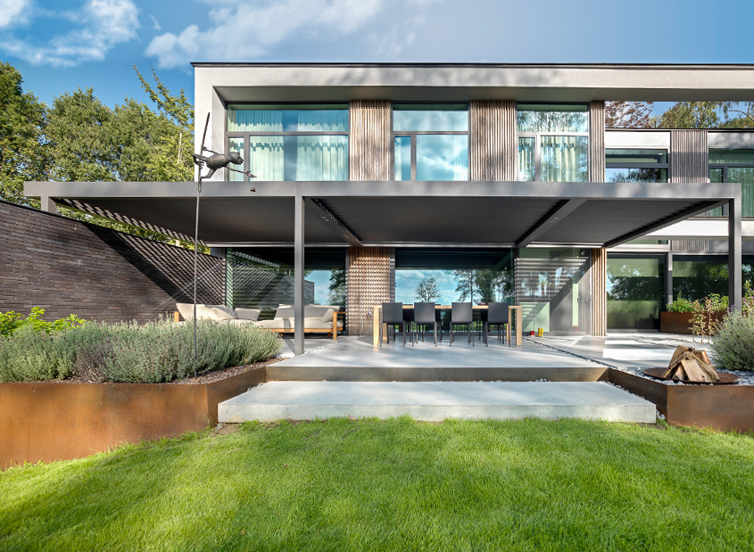 Lamellen Terrassenüberdachung Anbau