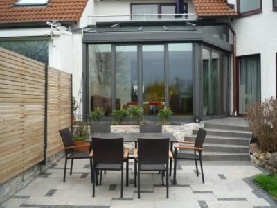 Klassischer Wintergarten mit Glasdach