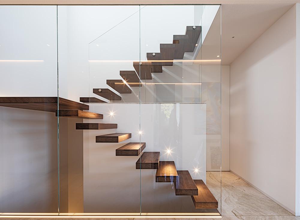 Raumteilung aus Glas